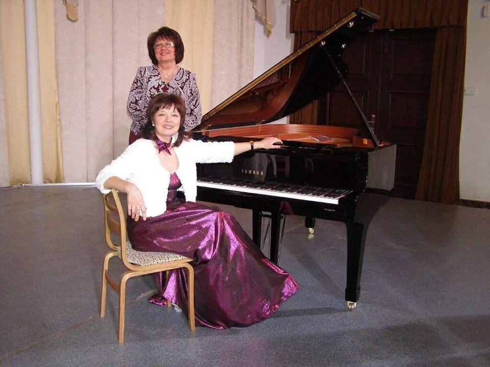 Людміла Алейнікава і Вера Зяленская